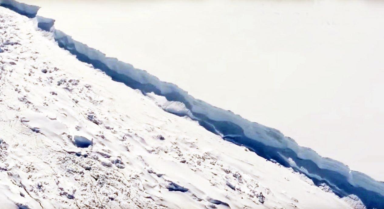 Iceberg Larsen C