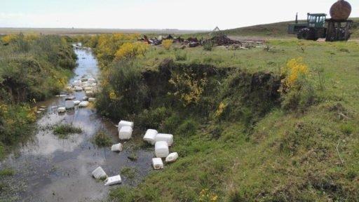 Contaminação por agrotóxicos, water contaminated by pesticides