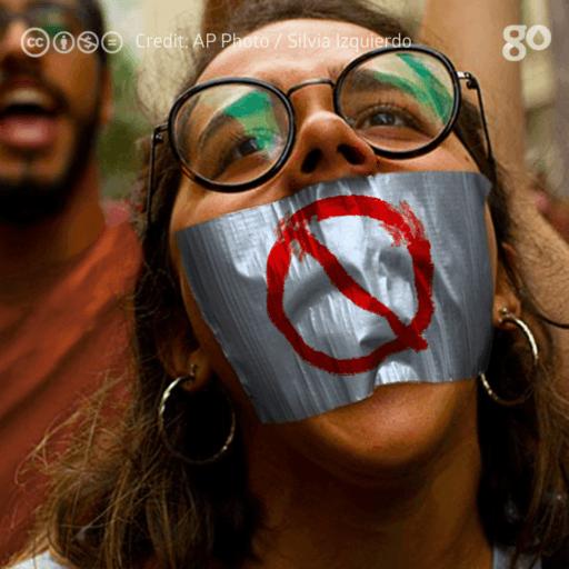 Governo pretende extinguir canais de comunicação da sociedade / Brazilian people/ Pueblo brasileño